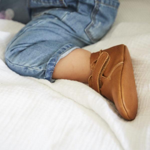chausson en cuir souple marron modele achille