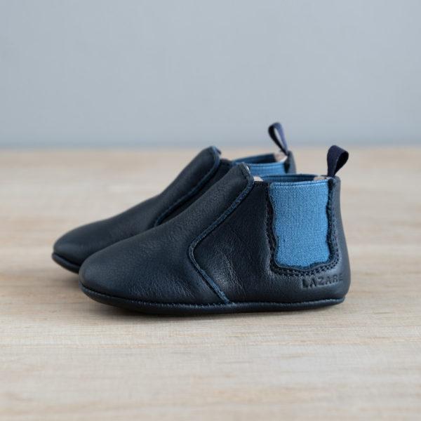 chausson à élastique bleu marine et bleu de coté