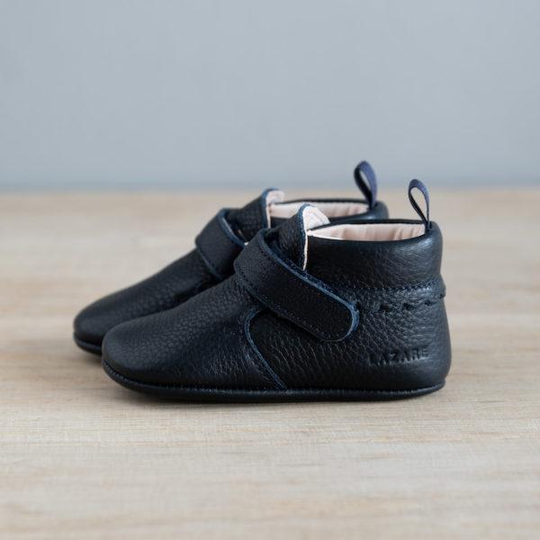chausson à scratch bleu marine de coté