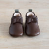 chausson en cuir marron avec noeud face