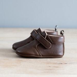 Chaussons bébé Achille chocolat