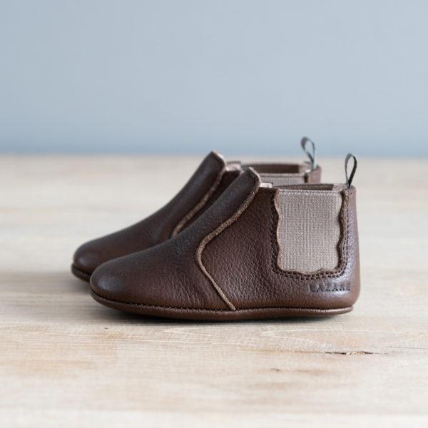 chaussons bébé en cuir souple Oscar chocolat élastique beige languette kaki