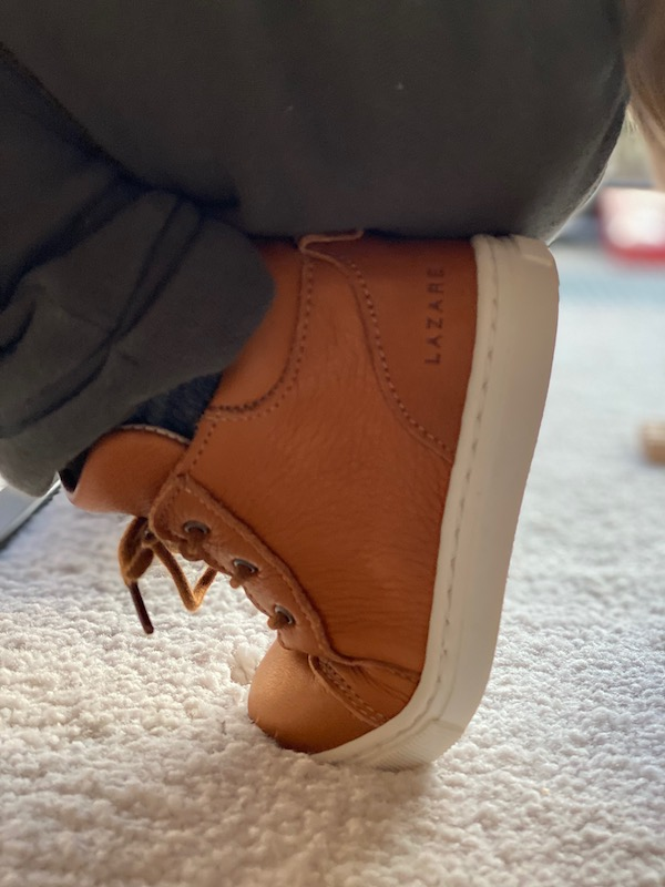 chaussures premiers pas souple pliées
