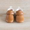 chaussons bébé Achille marron col blanc en cuir souple vu de face