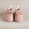 chaussons bébé Arielle rose nubuck en cuir souple vu de face