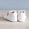 Chaussons bébé Arielle blanc en cuir souple vu arrière