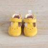 chaussons bébé César jaune nubuck en cuir souple vu de face