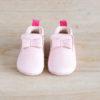 chaussons bébé Arielle rose en cuir souple vu de face