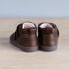 chaussures-premiers-pas-en-cuir-marron-chocolat-fermeture-a-scratchs-avec-semelle-souple-Lazare-chocolat-vu-arriere